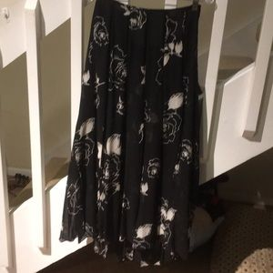 Dana Buckman petitesLong layered skirt black